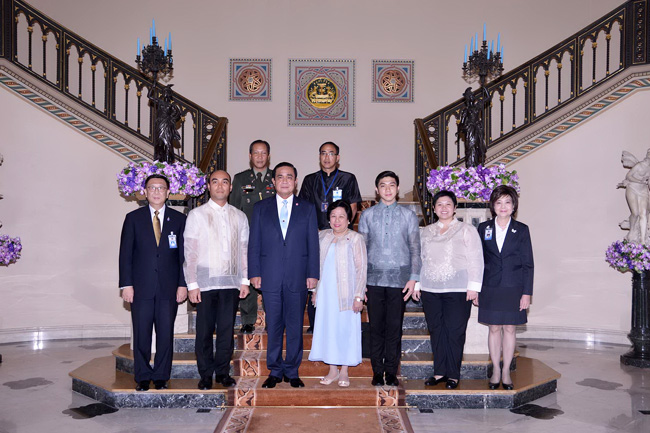 Names of Officials from Left to Right: (front row) Deputy Secretary-General Anuson Chinvanno, Third Secretary Jim Minglana, Prime Minister Prayut Chan-o-cha, Amb. Mary Jo A. Bernardo-Aragon, Third Secretary Jay Alcantara, Third Secretary Anna Marie Santos, Deputy Secretary-General to the Prime Minister Renu Tunkachivangoon; (back row) Philippine Defense and Armed Forces Attache Col. Reuben Basiao and Thai Ministry of Foreign Affairs Deputy Director-General Tanee Sangrat.