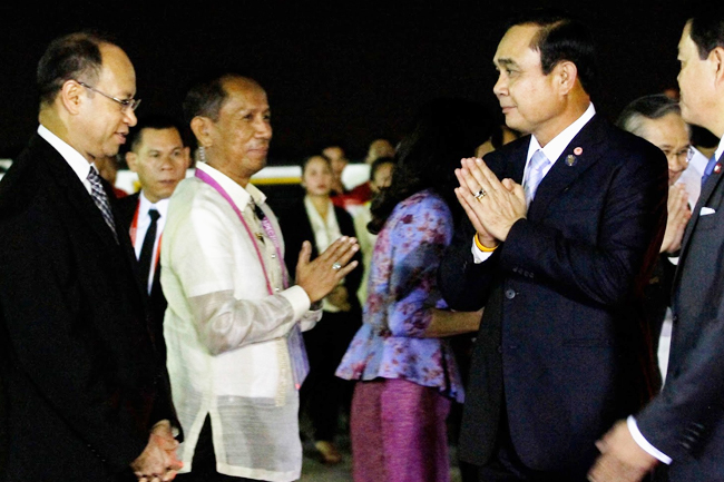 PM Prayuth arrives in Manila 2