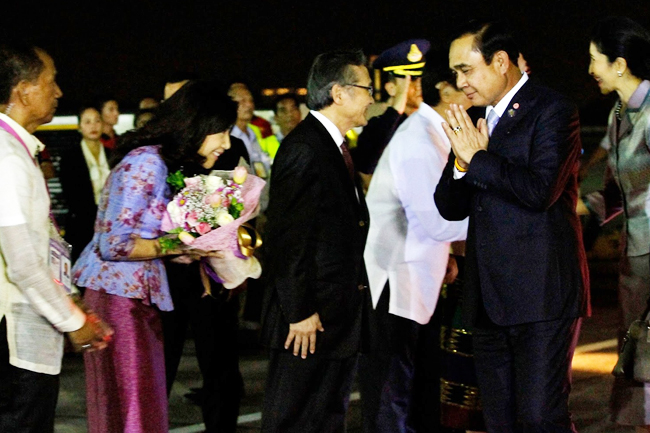 PM Prayuth arrives in Manila 3